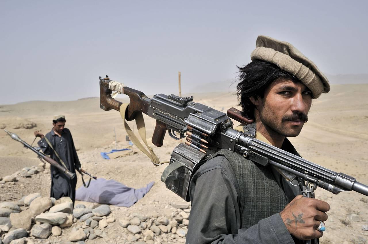 Талибы потребовали от мирных жителей Афганистана сдать оружие