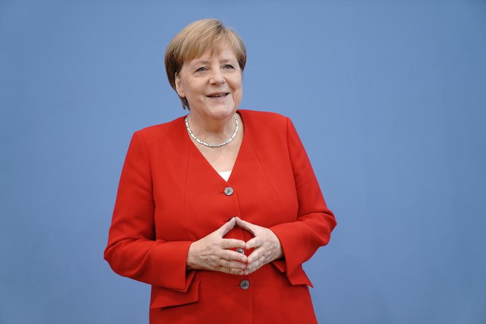 Экономист из Киева заявил, что Меркель «развела» Украину