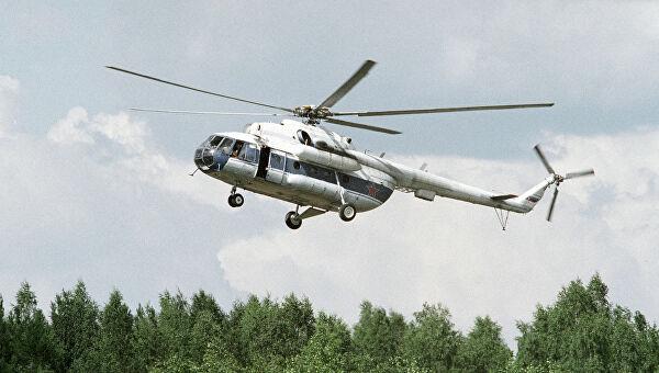 МИ-8 с туристами на борту упал в озеро, из 16 человек