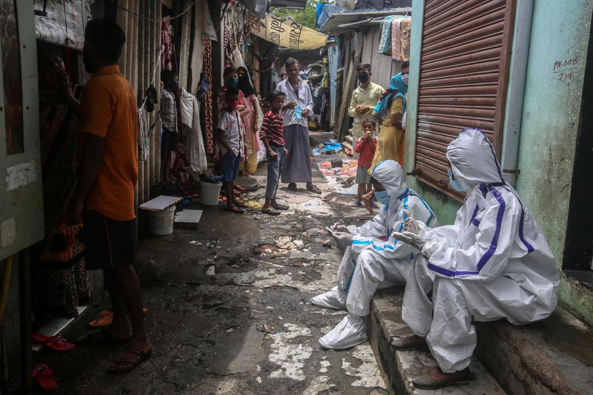 В Индии от неизвестной вирусной лихорадки. Число жертв 70 человек