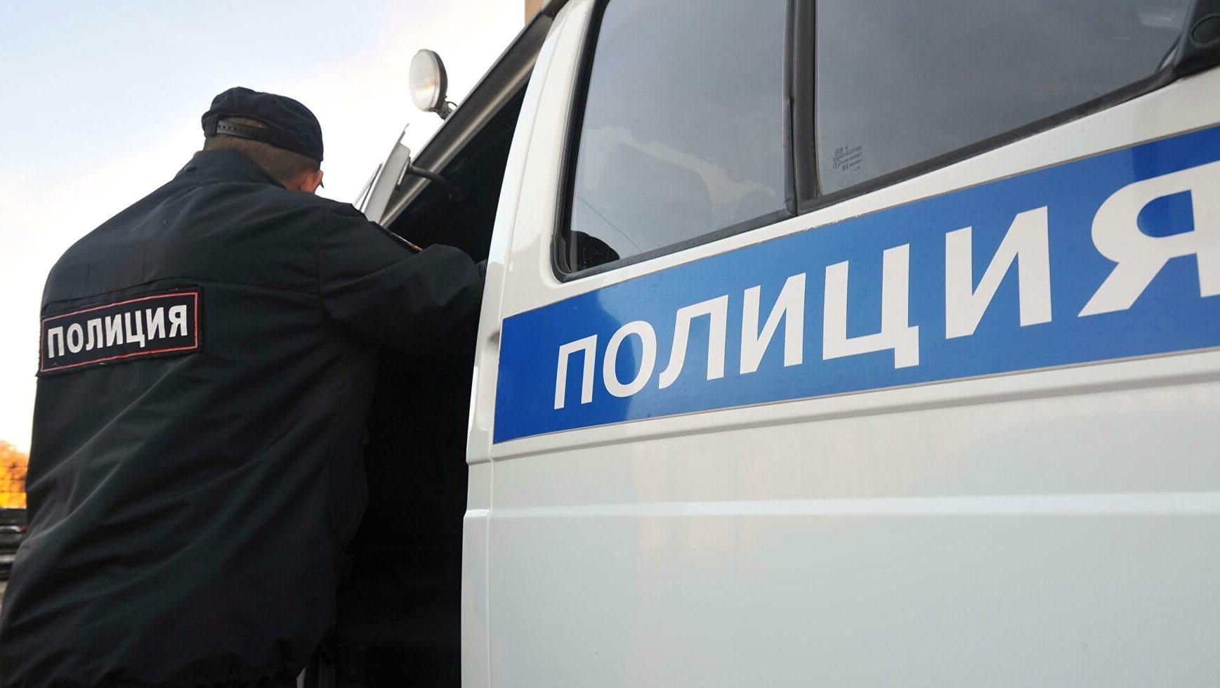 По улицам Екатеринбурга гулял мужчина с автоматами