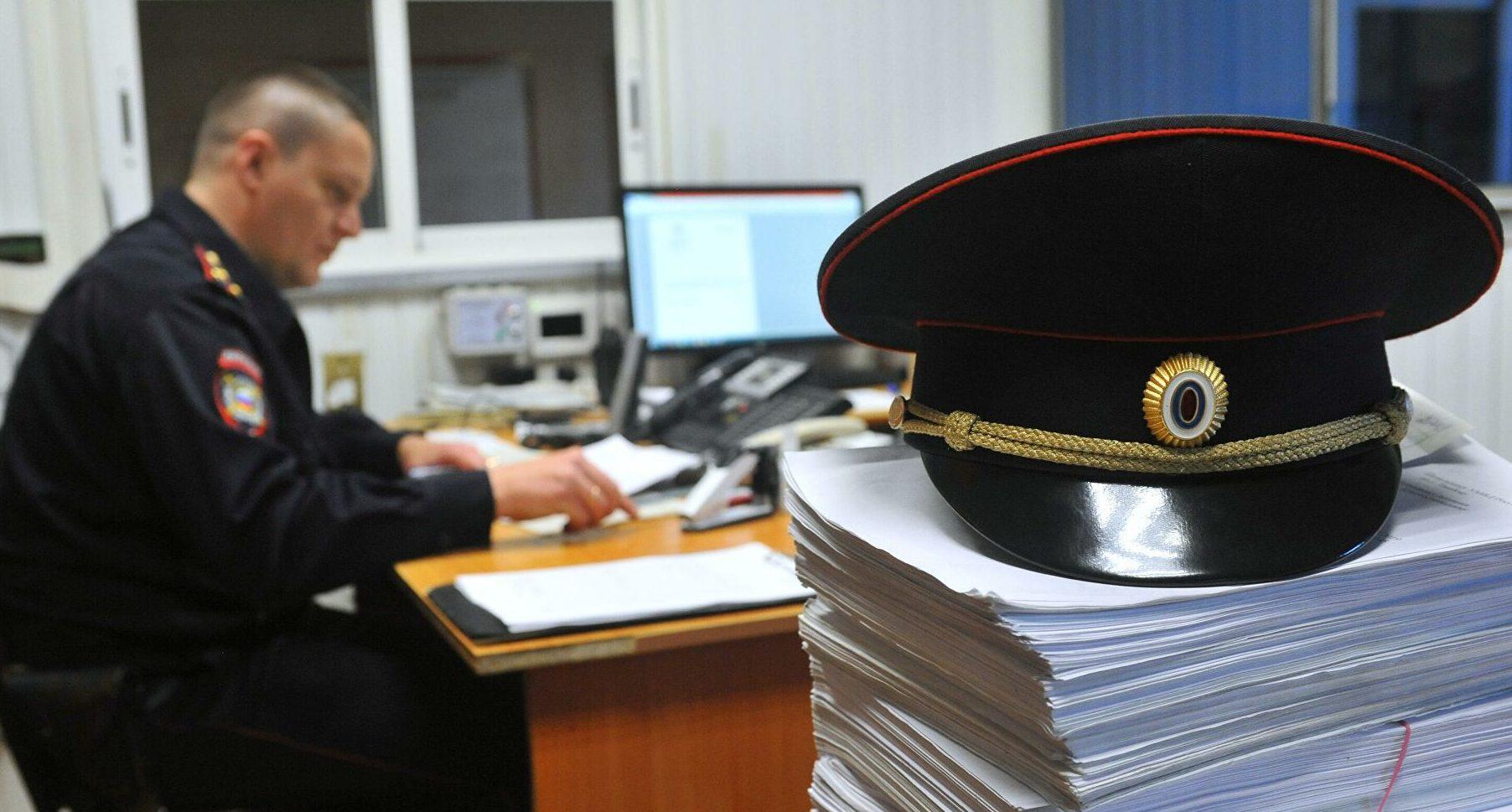 С топором в руках напал мужчина на полицию в Оренбуржье