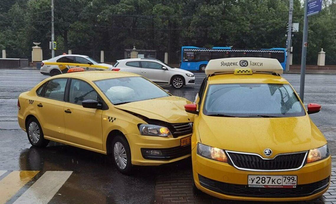 Может взлететь ценник на услуги такси в России