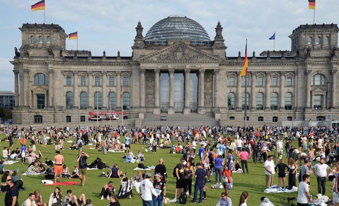 Стали известны первые данные экзит-поллов в Германии