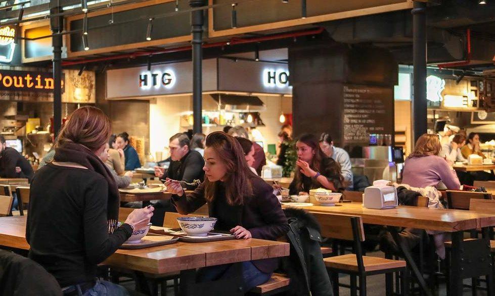 Кафе и рестораны россияне стали посещать чаще
