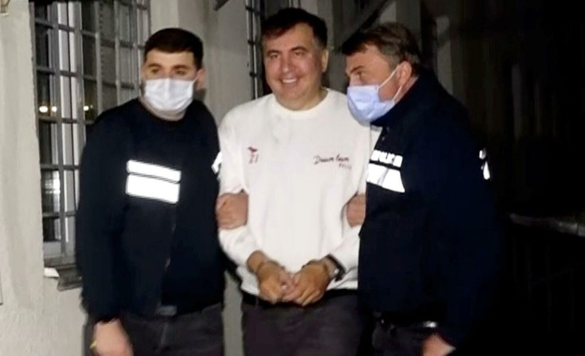 В тюрьму прибыли адвокаты Саакашвили для встречи с подзащитным