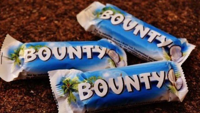 Россию предупредили о дефиците шоколадных батончиков Bounty