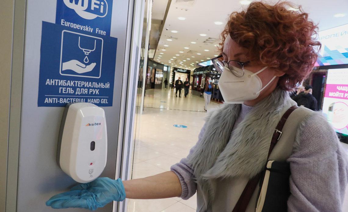 Инфекционист призвал ужесточить ограничения по COVID-19