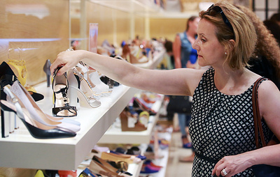 """Эксперты: введение маркировки обуви в России привело к """"обелению"""" рынка на 35%"""