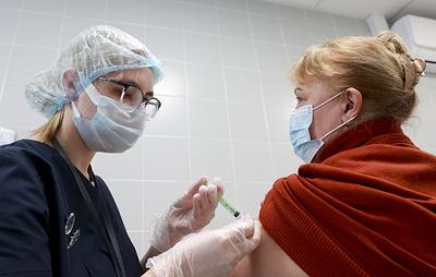 Москвичи старше 65 лет при вакцинации от ковида получат 10 тыс. рублей компенсации