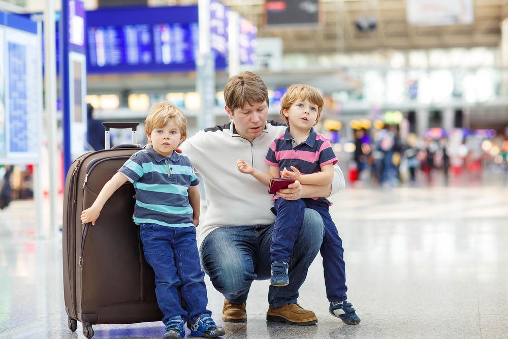 МВД России изменило регламент выезда детей за границу